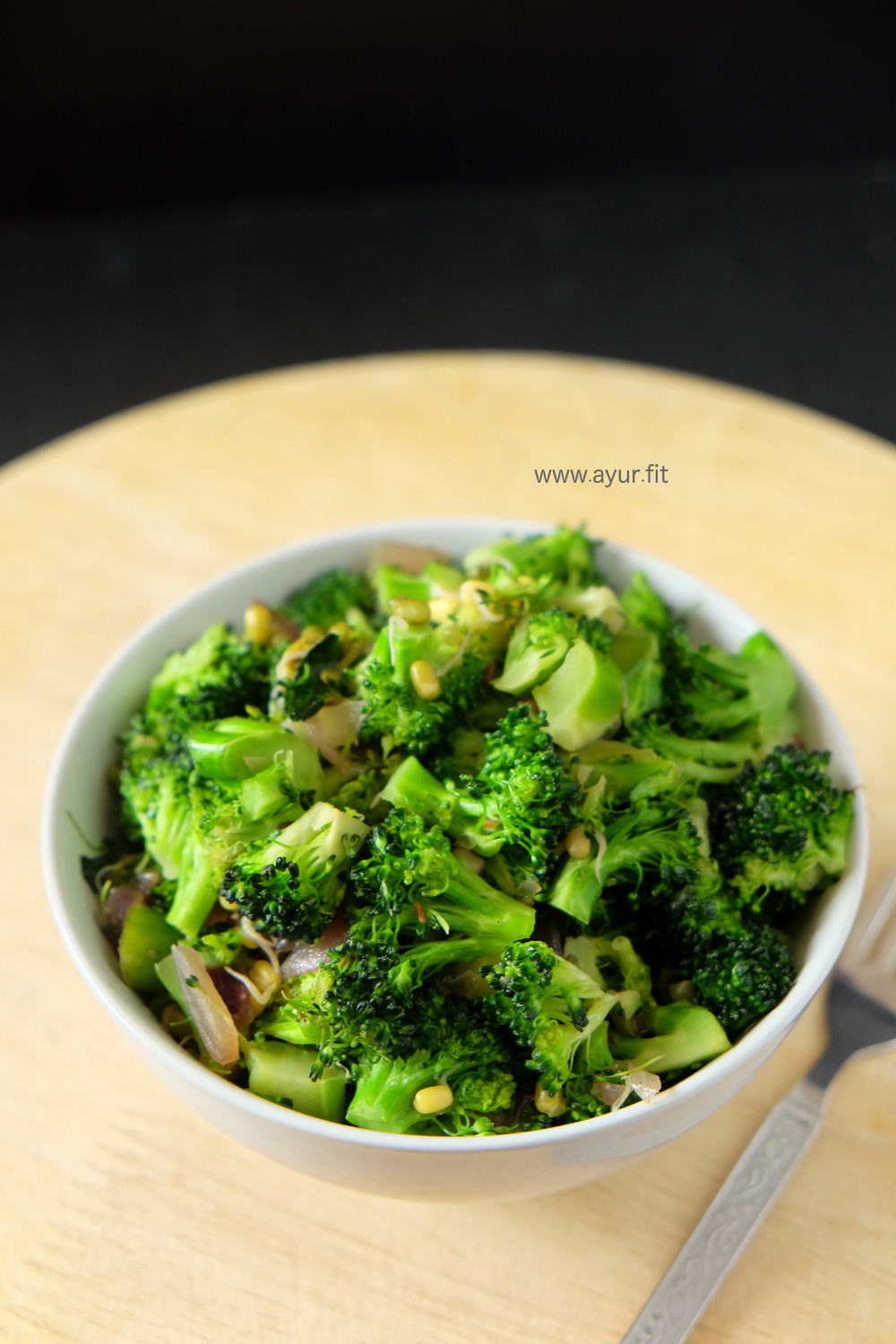 10 Minute Broccoli and Sprouts Stir Fry, Kerala Style