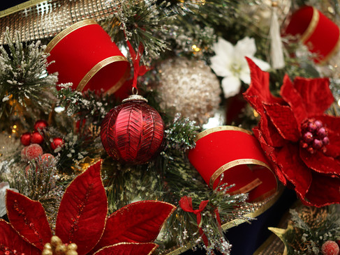 A Very Merry Crimson Christmas!