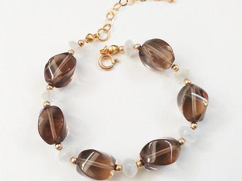 צמיד סמוקי קוורץ-מונלייט סטון-גולדפילד. Smoky quartz-Moonlote stone-goldfilled