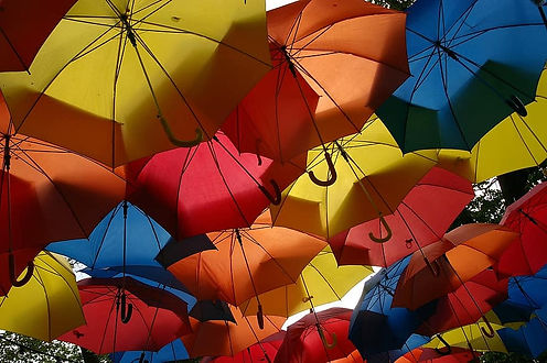 umbrellas-multi-coloured-screen-roof-col