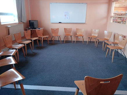 salle de classe du lycée camille claudel à Blain - sophrologie