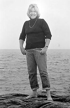 L-CHAMBERS-WEB-PAGE-COVE-BEACH-1981.jpg
