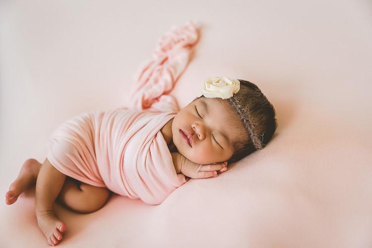 Hawaii-Newborn-Baby-Photographer-Nest-Fa