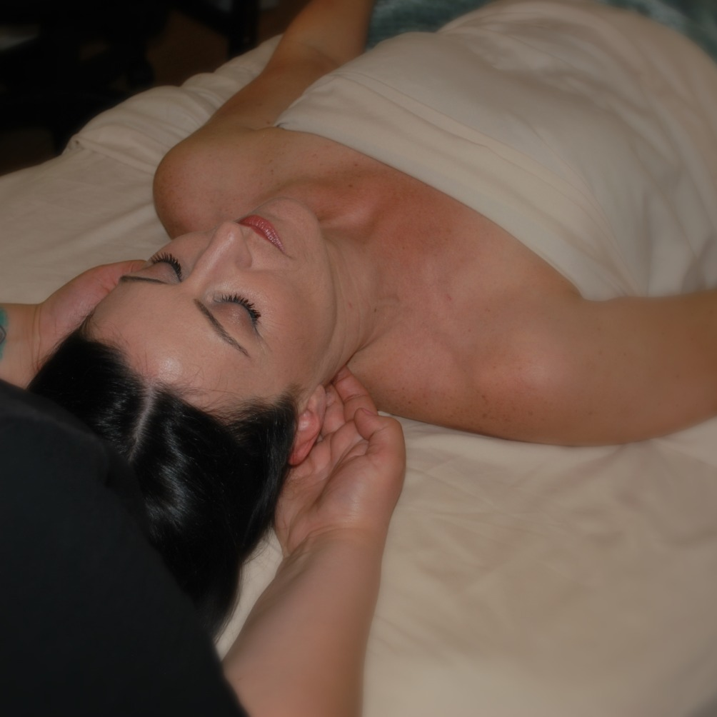 Back of neck Massage_edited