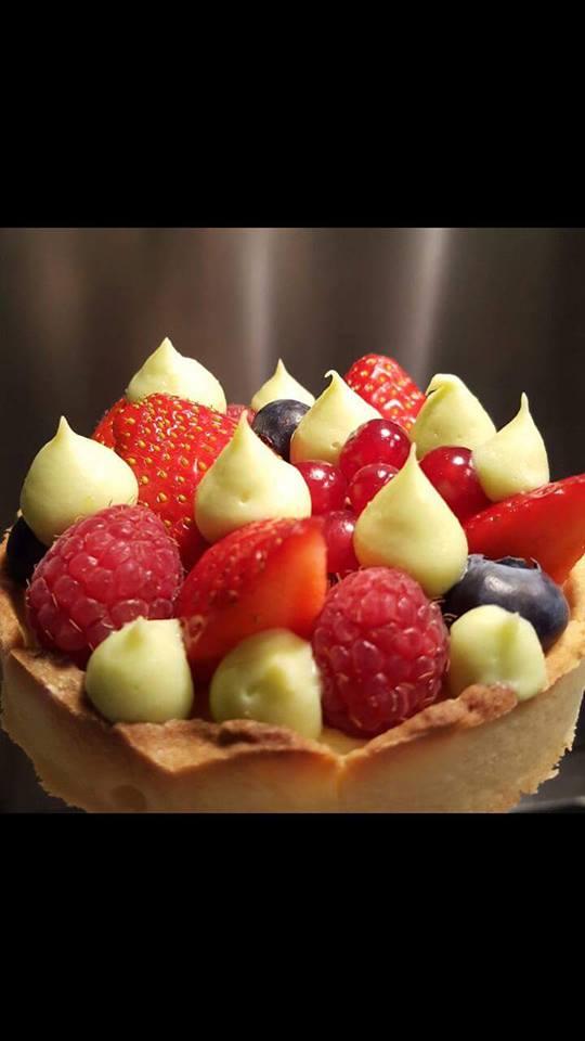 Tartelette_aux_fruits_rouges_crème_pistache_et_vanille_de_Tahiti