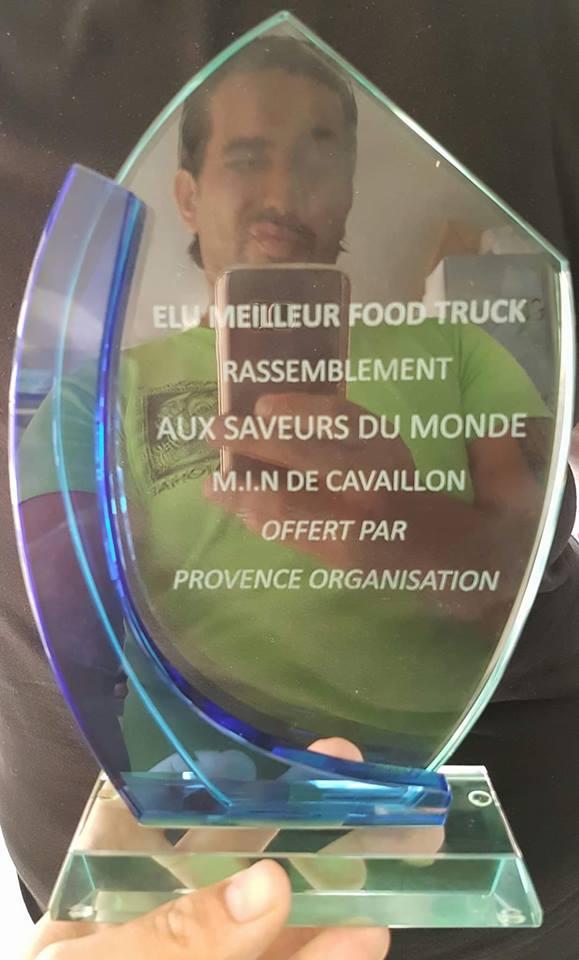 Trophée_meilleur_foodtruck_aux_saveurs_du_monde_aux_MIN_de_Cavaillon