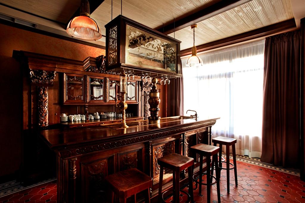 lobby bar 2.jpg