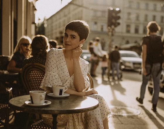 cafes de paris vip turismo.jpeg