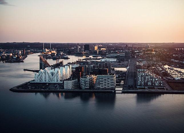 Aarhus-Ø-set-fra-oven i Aarhus-800px.jpg