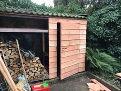nieuw front en deur tuinschuur