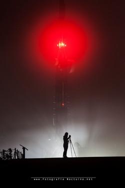 Antena y niebla