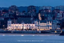Casino y hotel en hora azul