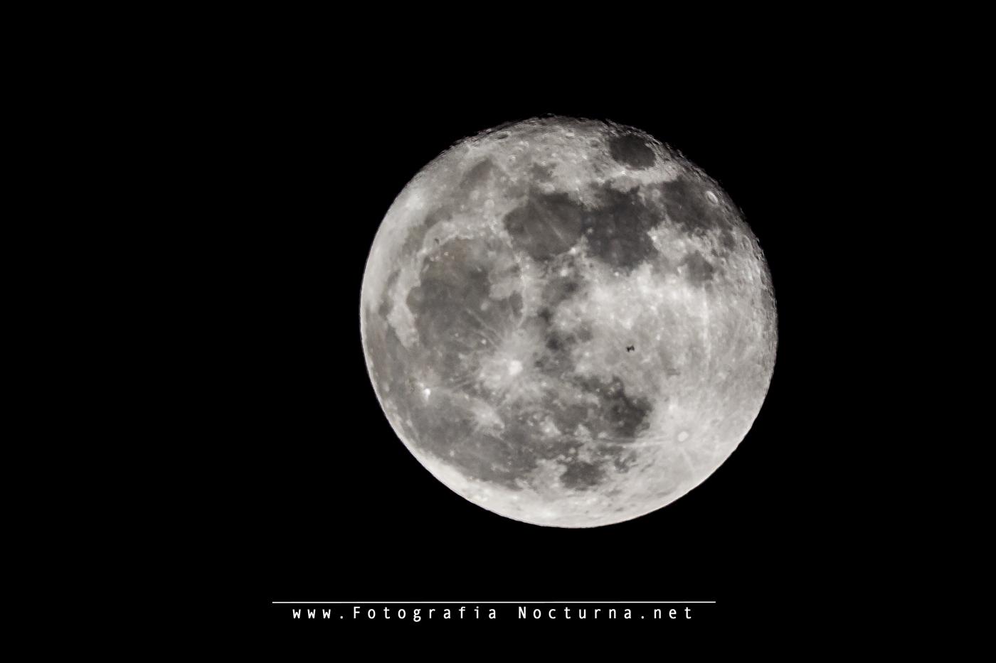 Tránsito ISS por la Superluna
