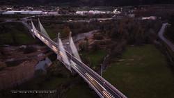 Puente en hora azul