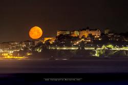 Luna de abril y Santander