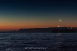 Amanecer con luna nueva