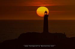 Sol por el Faro de Mouro