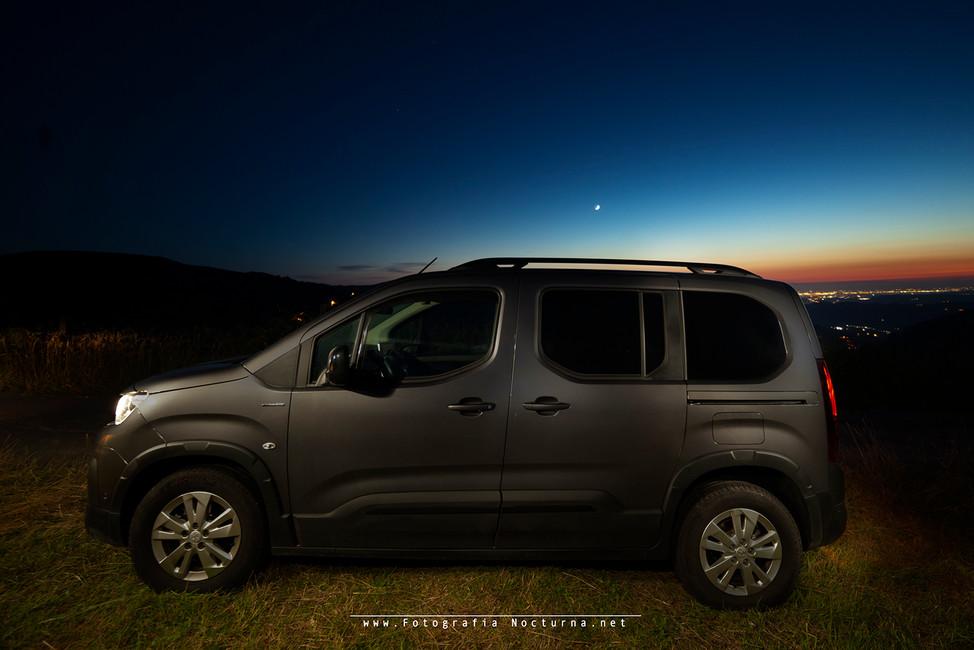 Peugeot Rifter y la Luna (Junio 2020)