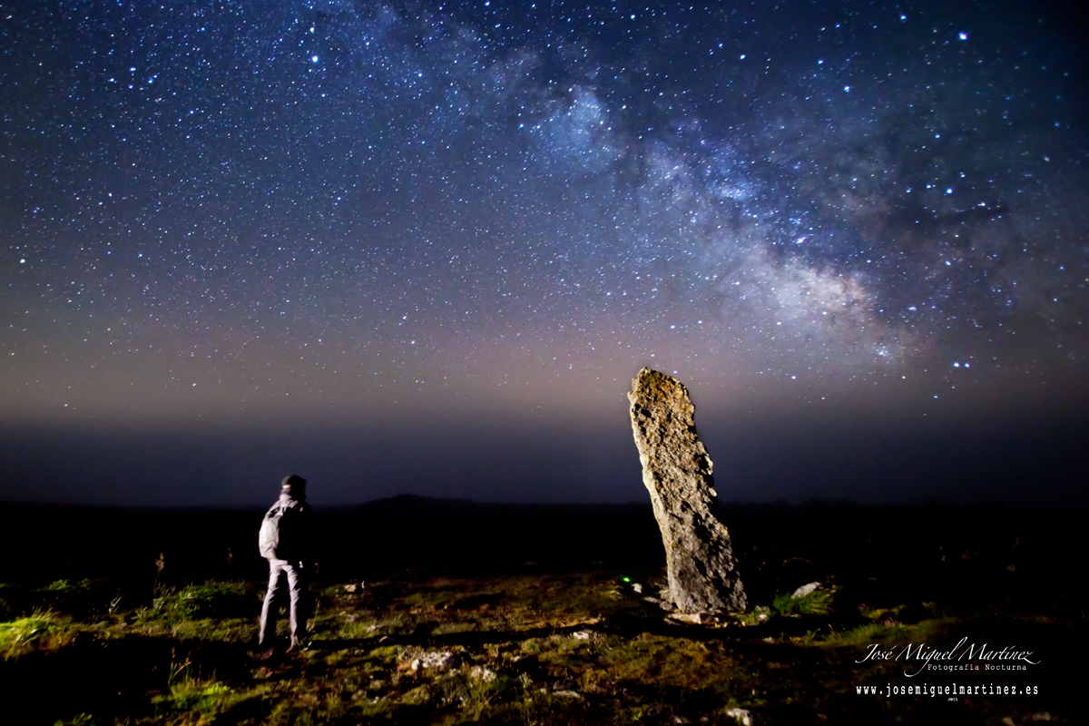 Vía Láctea y Menhir