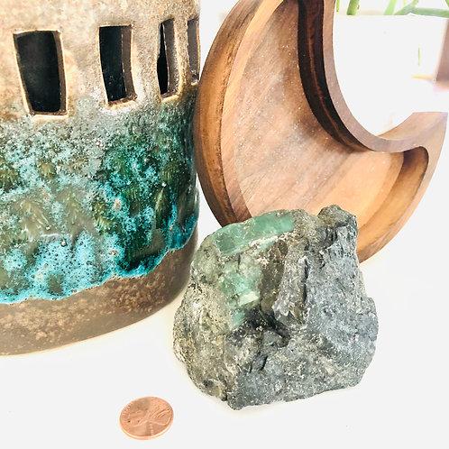 Raw Emerald (approx 348g)