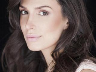 Após musical na China, Sara Sarres volta aos braços de Miguel Falabella