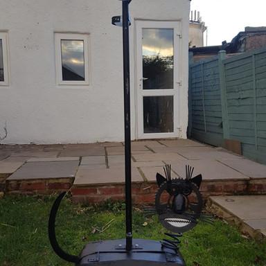 Tom cat Bird feeder and bath