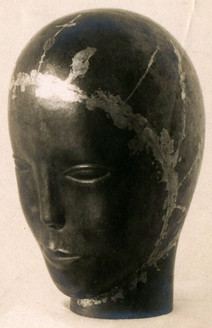 Mädchenkopf (ca. 1923), Messing getrieben, 28 cm, verschollen