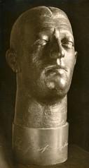 Graf Luckner (1927), Bronze lebensgroß, verschollen