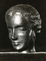 Frauenkopf (ca. 1935), getrieben, verschollen
