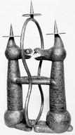 Kerzenleuchter (ca. 1926), getrieben und graviert