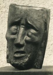Christus Geißelung (Verspottungsmaske) (ca. 1948), Kupfer getrieben, 27 cm hoch