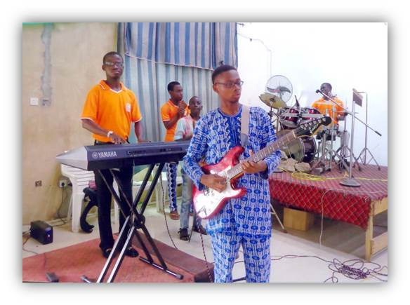 AWMC2014 worship in Session
