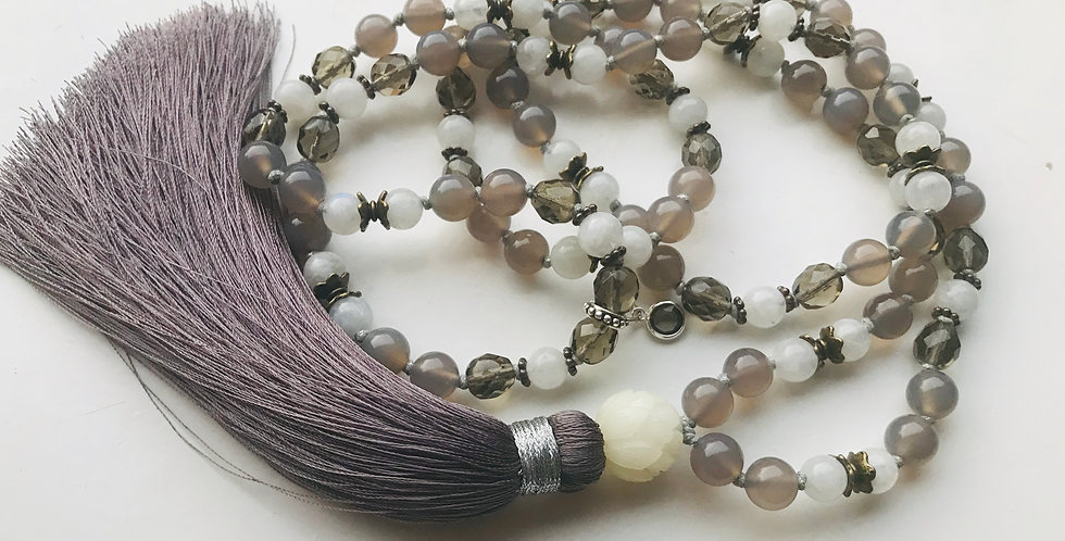 Mala touch of silver light