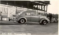 Herbert Göpfert auf VW Käfer