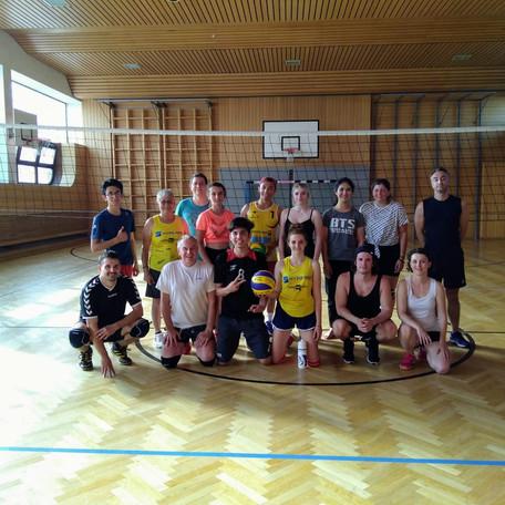 Schüler*innen - Lehrer*innen Volleyballturnier