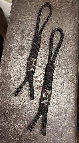 Triarii Carbon Stainless Beads