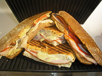 sandwich-1577891_1920.jpg
