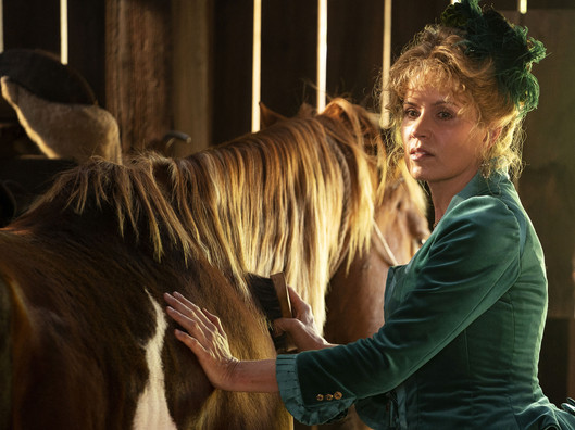 deadwood-the-movie-kim-dickens.jpg