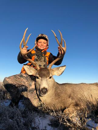 Trophy Mule Deer Hunt.jpg