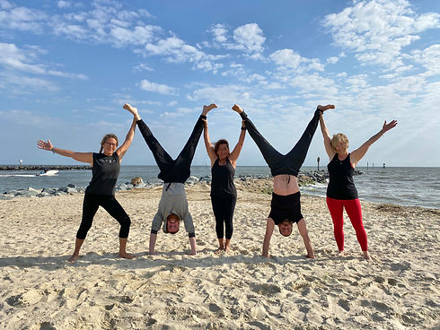 beach yoga 1.jpg