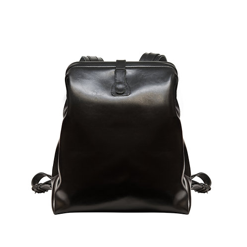 Black Leather Backpack M