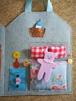 Dollhouse to go