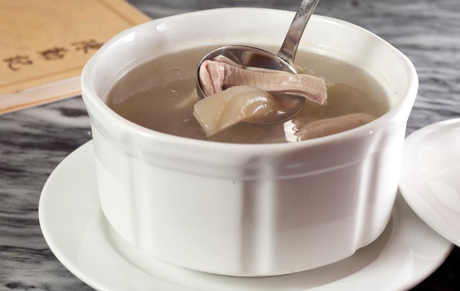 鹹菜胡椒燉豬肚湯 Double Boiled Pig's Lung & Almond Soup 每位 Person   HK$55 例     Regular  HK$208   大窩  Large     HK$298