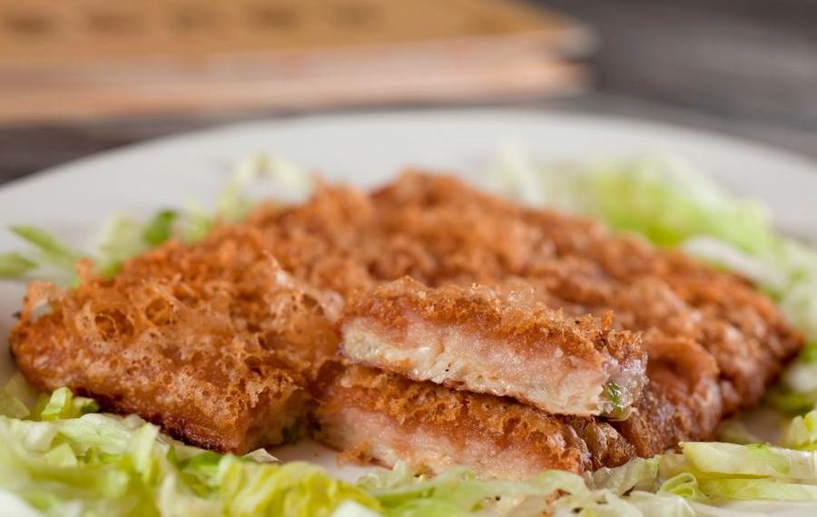 芋茸香酥鴨 Deep Fried Duck With Mashed Taro 例  HK$158