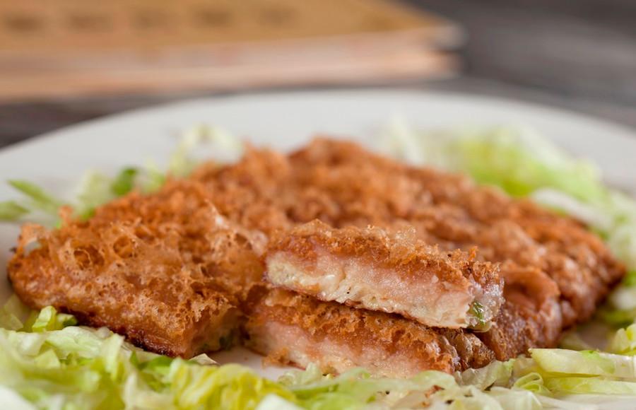 芋茸香酥鴨 Deep Fried Duck With Mashed Taro 例  HK$148