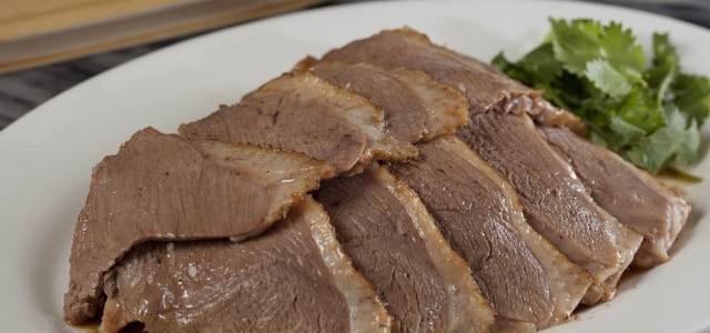 滷水鵝1/4上莊(胸部位置切鵝片) Soyed Goose 1/4 Upper (Can Be Sliced) 每份  HK$218