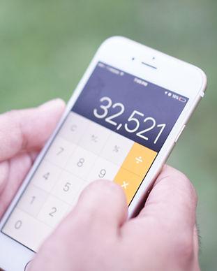 calculating-finances_t20_Enpo7K.jpg