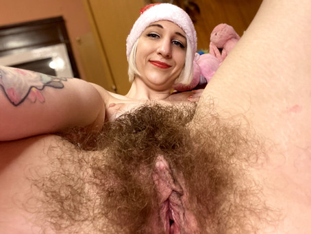 Little kinky santa girl clit jerking and gaping her hairy pussy