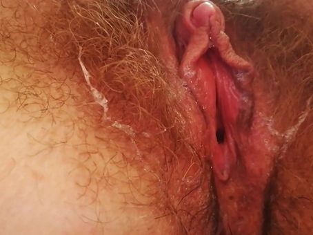 WET PUSSY FINGERING CLOSE UP HAIRY CUNT BIG CLIT FREE VIDEO