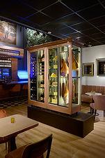 Vinoloq X-line wijnklimaatkasten Doorkijkkasten die de drink- en eetlust bevorderen    See-through cabinets that stimulate theappetite